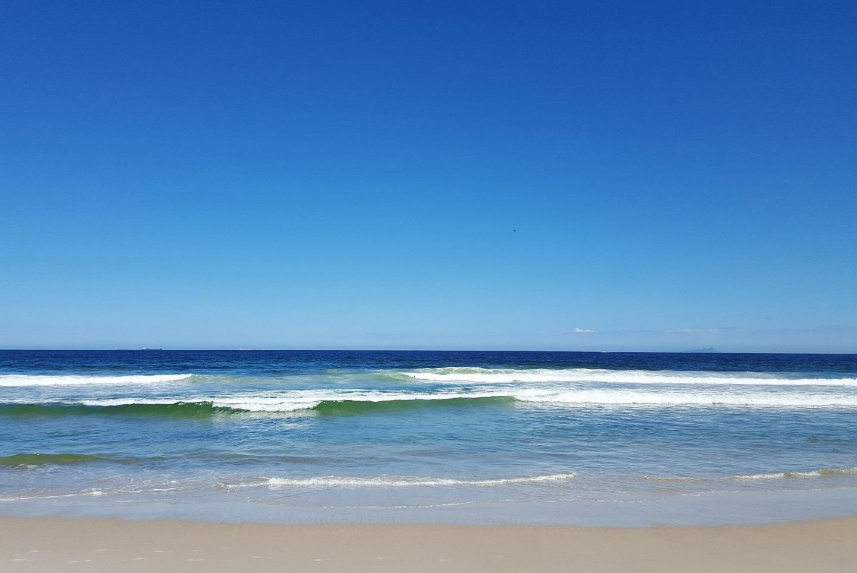 beach-1631929_1920.jpg