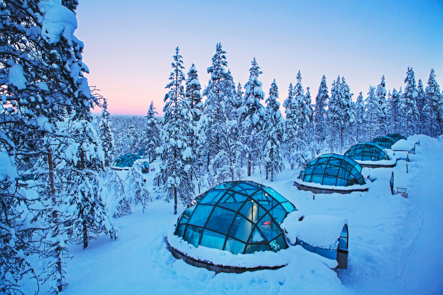 kakslauttanen-glass-igloo