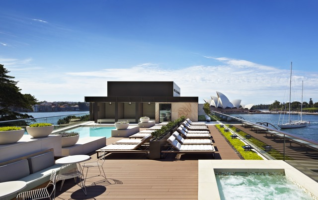 sydph_p069_rooftop_pool_52451-adapt-640-800